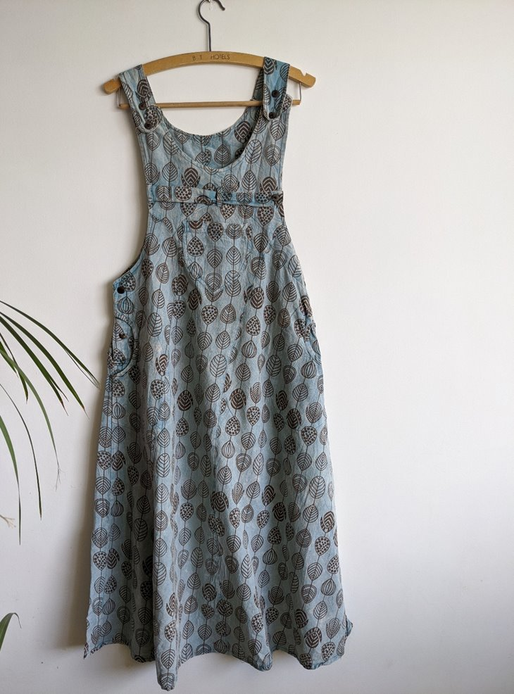 Pinafore Style Dress With Leaf Print by Gringo